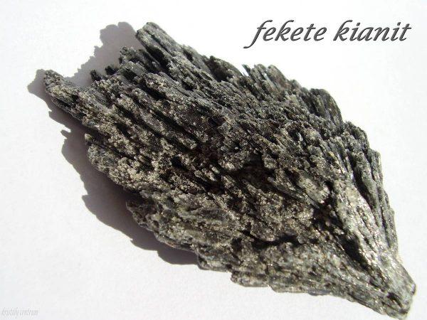 Black kyanite - Ribeirao das Folhas, Minas Novas, Minas Gerais, Brazil