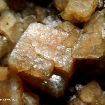Chabazite crystal - Csódi-hegy, Dunabogdány, Hungary
