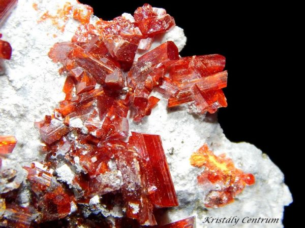 Realgar crystalls